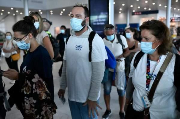 500 nouveaux soignants sont arrivés en Polynésie française et dans les Antilles pour soutenir les équipes médicales sur place face à la vague épidémique
